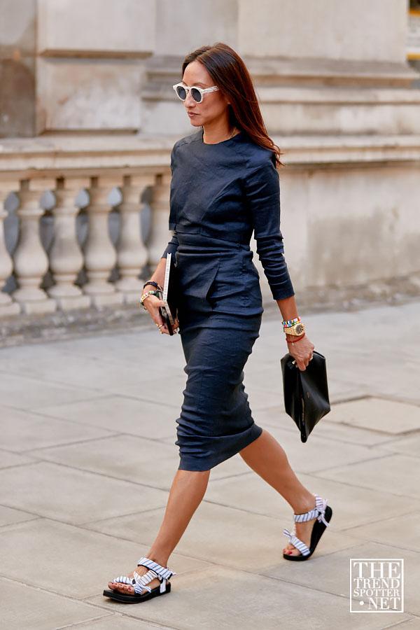 Модные тренды обуви весна-лето 2020. Сандалии в стиле Спорт-люкс