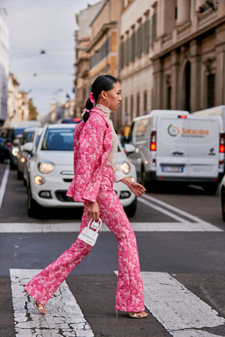 Стрижки и укладки, которые были на пике популярности у звезд уличного стиля на неделях моды весна 2020