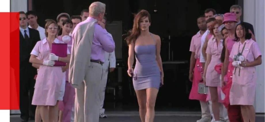 Этот спорный наряд от Мисс Конгениальность станет самым большим трендом уличного стиля в 2020 году