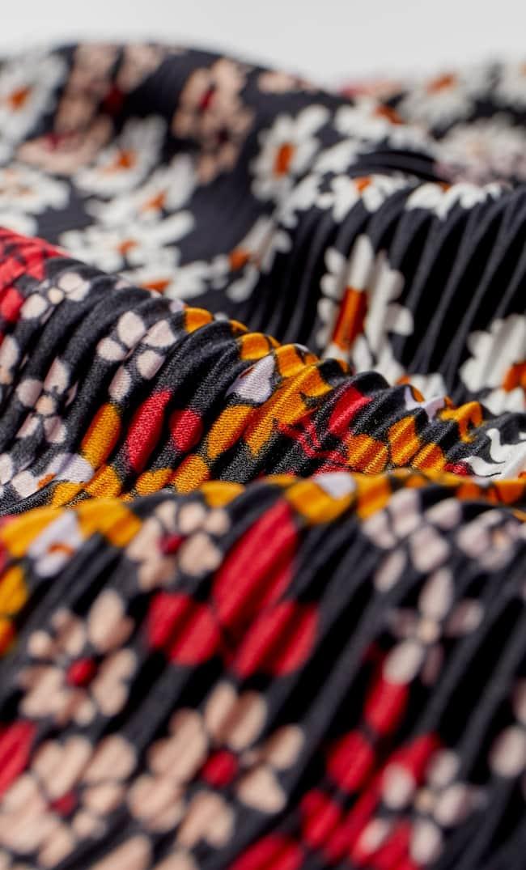 Бандана С Плиссировкой И Цветочным Принтом Женская Коллекция Черный 103