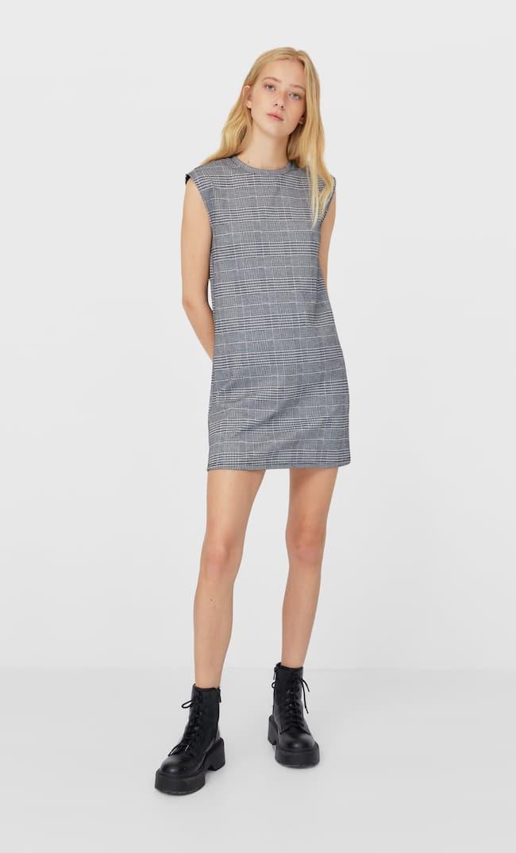 Короткое Платье С Подплечниками Женская Коллекция Цвет Небеленого Полотна M