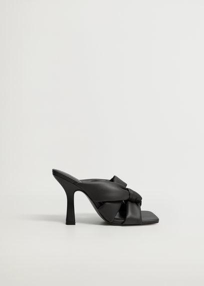 Босоножки на каблуке с узлом - Bossy